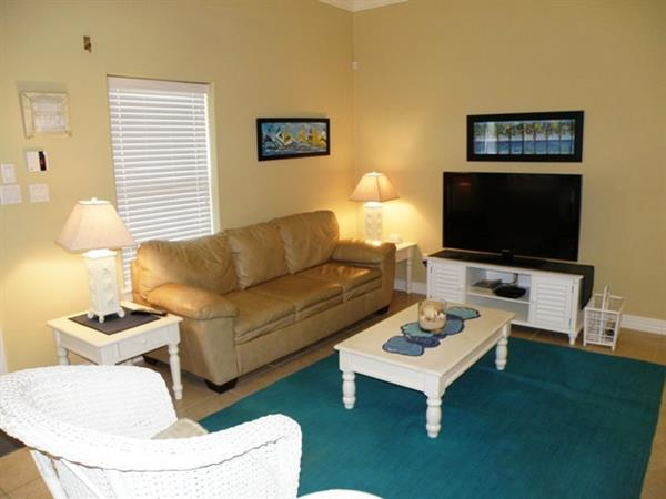 Right across the street from the beach - 2/2 condo