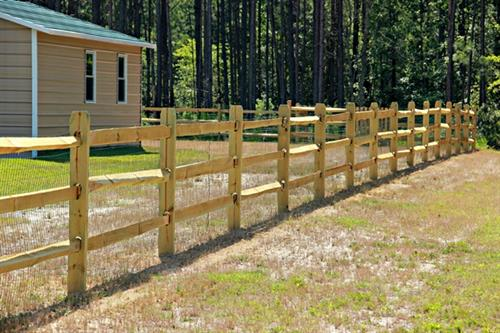 Gallery Image Wood_Ranch_3_Rail_wth_square_picket_gate_5.jpg