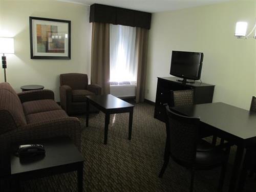 2 Room Suite-Sitting Area