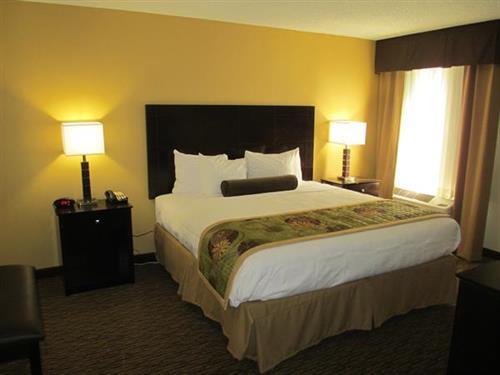 2 Room Suite- 1 King Bed