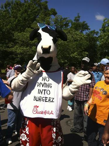 We love to support put community. The cow had so much fun at the Special Olympics day in the park!