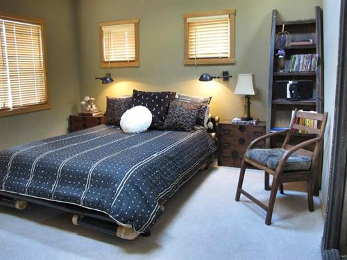 Heated father top Queen Bed
