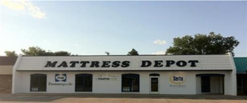 Mattress Depot located in the Norte Vista Plaza
