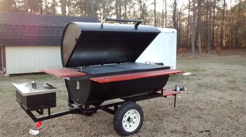 The best pigcooker and it has a fyer attached to it
