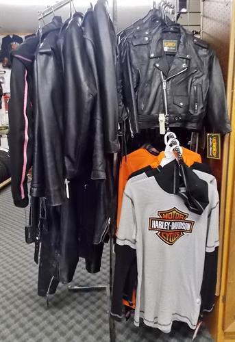Biker leathers & T-shirts