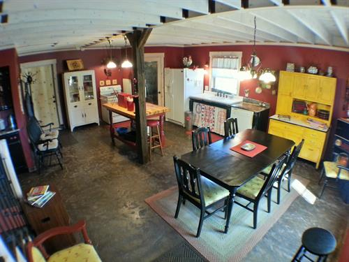 The Barn Lodge kitchen/dining area