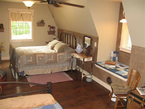 Barn second floor bedroom - sleeps 4