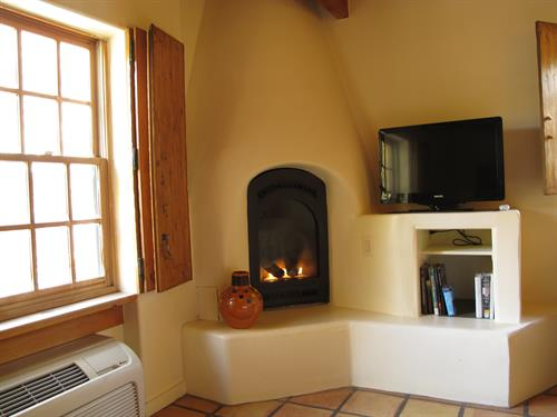 Plaza Blanca Kiva Fireplace