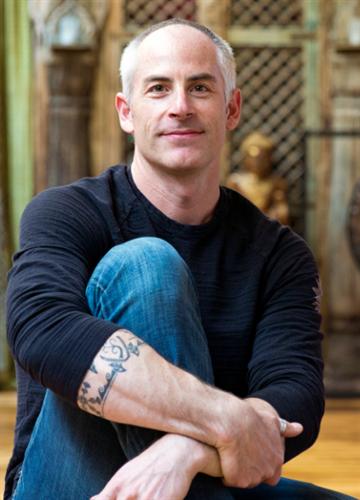 Evan Michael Zislis  Professional Organizer. Social Entrepreneur. Bestselling Author.
