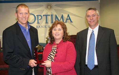 Carol Estes named NH's SBA 504 Banker of Year in 2013