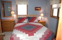 Master Bedroom-Queen Bed
