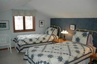 Loft Bedroom-2 Twin Beds
