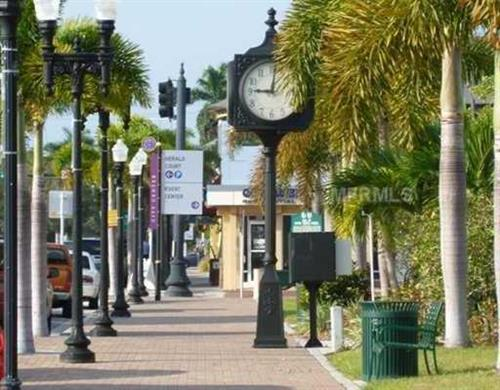 Downtown Punta Gorda has many fine restaurants and shops