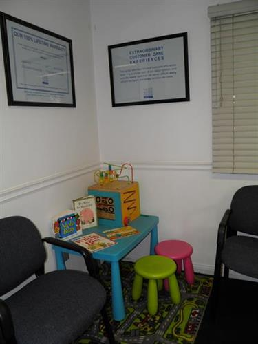 We even have a kids corner where your children can play.