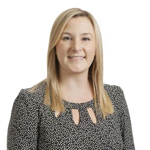 Bank Specialist Lauren Hunnings