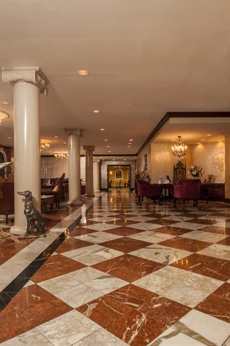 Siena Hotel lobby