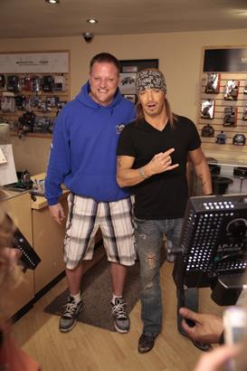 Brett Michaels visits shop
