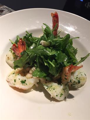 Shrimp salad with cannellini beans