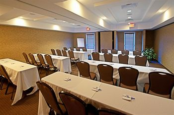 WE have over 2000 square feet of meeting space!
