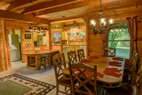 Dancing Bear Lodge Kitchen & Dining Rooms