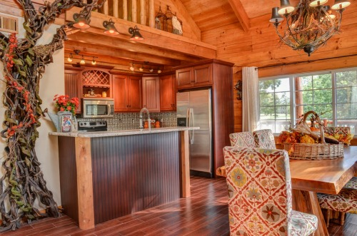 Treehouse Kitchen & Dining
