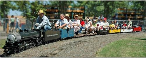 "1/8 scale ""Live Steam"" train rides"