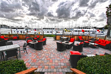 Bay Lounge Patio