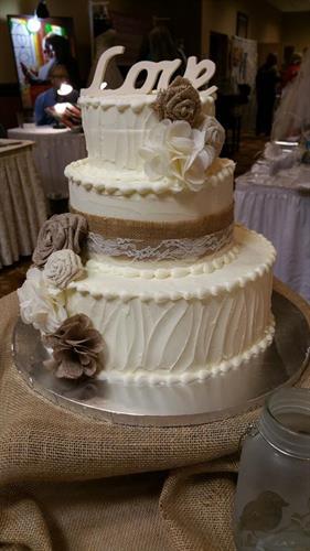 Rsutic Themed Wedding Cake