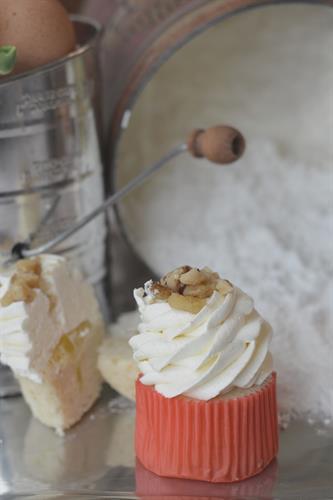 Inside the Lemon Supreme Cupcake