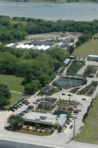 18 acres of premium plants and growing operation for annuals and perennials