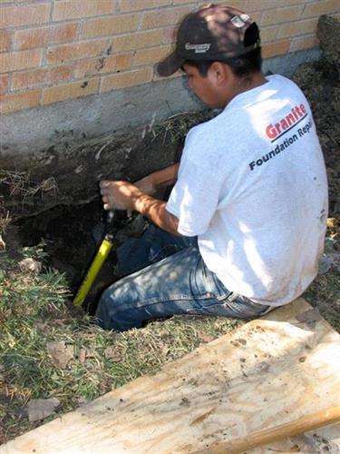 Granite Foundation Repair worker in Dallas