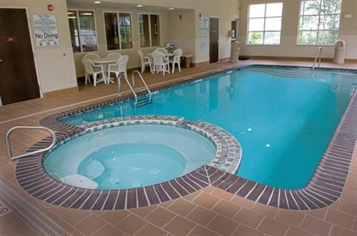 Indoor Heated Pool w Spa