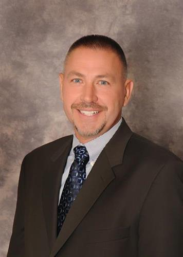 Devin Bobbett, Commercial Lender