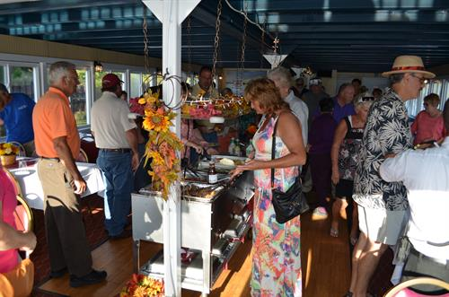 Enjoy our buffet-style dinner cruises!
