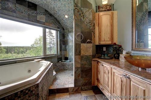 Master Bathroom Jacuzzi