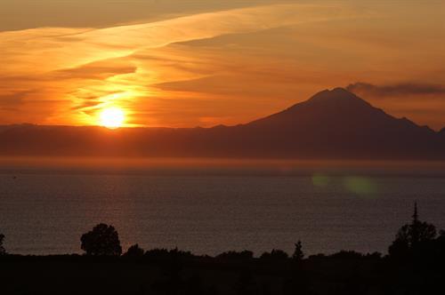 Gallery Image redoubt_sunset_2.jpg