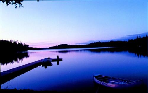 Gallery Image Daniels_Lake_Sunset_Original_crop9x5.jpg