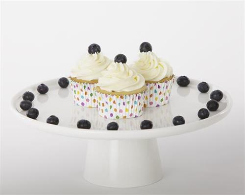 The perfect combination of flavors! Enjoy our pairing of a lemon cupcake with fresh blueberries. A wonderful explosion of flavors.