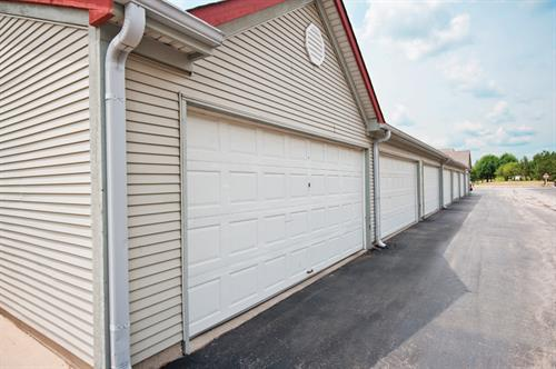 Private, remote controlled garages for rent