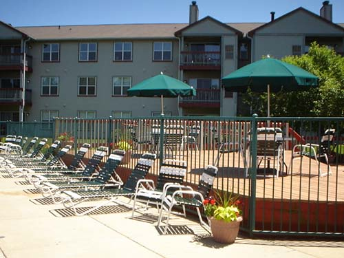 Large sundeck available for resident parties