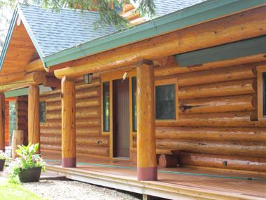 Log and Cedar Siding- Cleaning and Staining