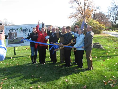 Pewaukee Chamber ribbon cutting