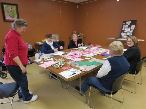 Seniors sharing their expertise