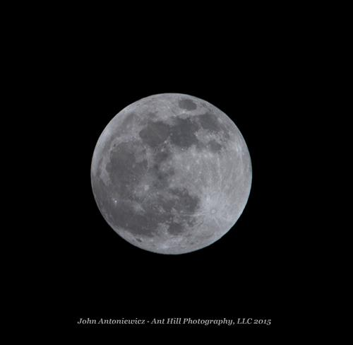 Image of a full moon appearing first quarter of 2015