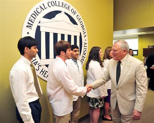 Pathway to Medical School 2013 Students meet the Governor
