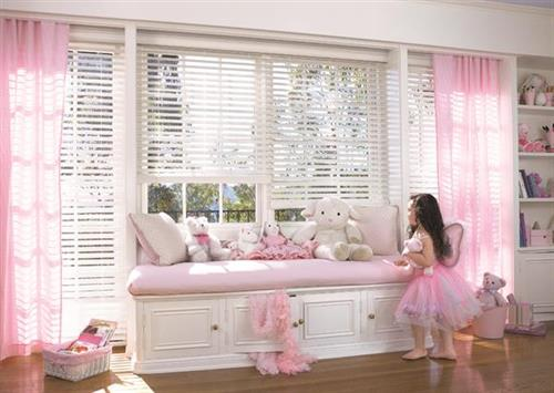 White everwood blinds - so practical!
