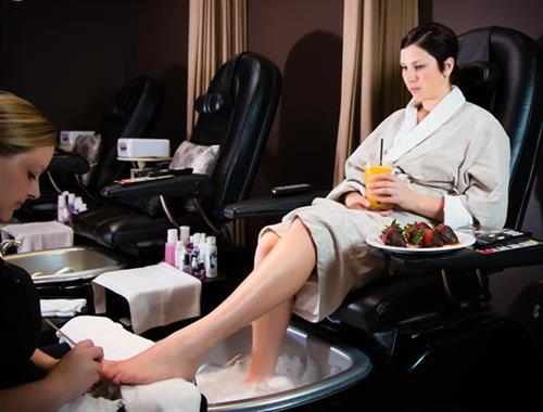 L Spa & Wellness Centre Pedi Lounge