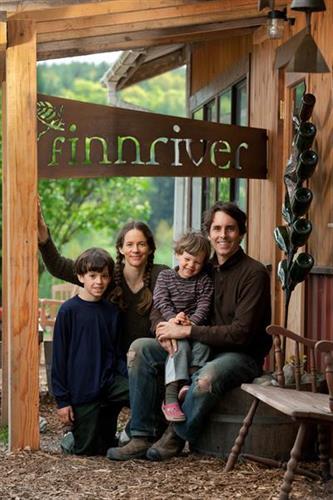 Finnriver Cidery family portrait
