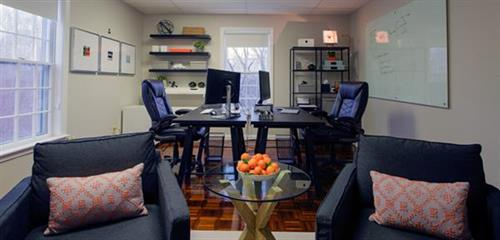 Gallery Image osterville-boutique-office-01.jpg