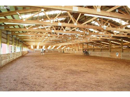 Equestrian Facility in the Heart of Horse Country!